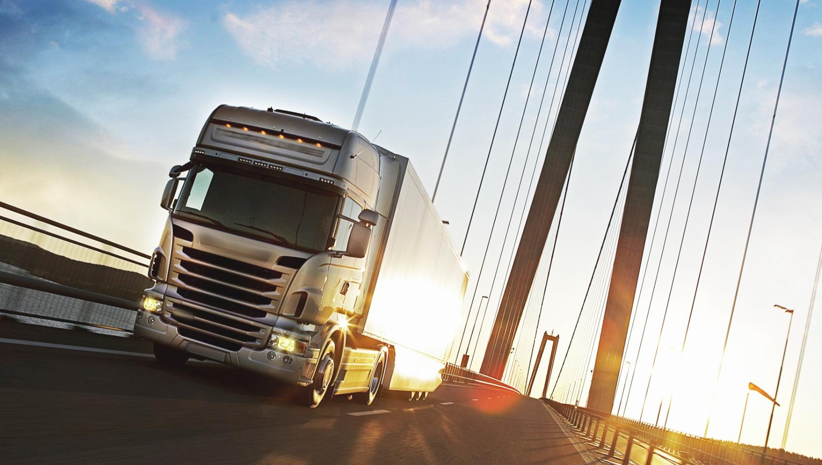 A febbraio i camion possono circolare anche nei weekend